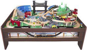 imaginarium-metro-line-train-table